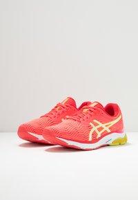 ASICS - GEL-PULSE 11 - Zapatillas de running neutras - laser pink/sour yuzu - 2