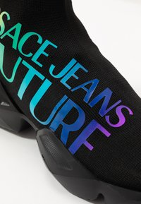 Versace Jeans Couture - Sneakersy wysokie - black/multicolor - 2