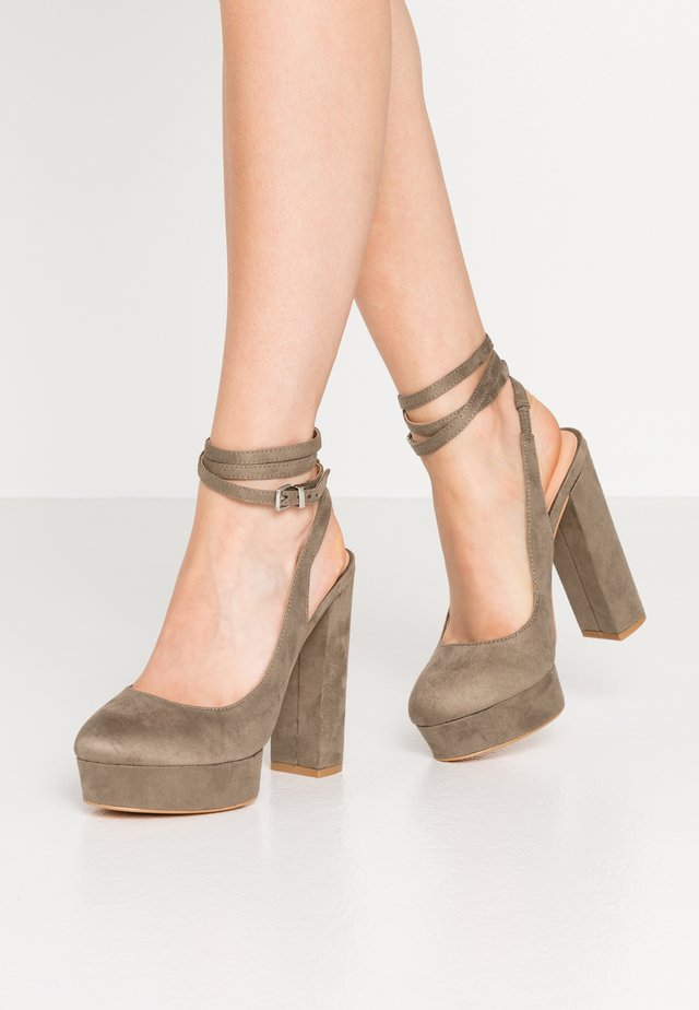 High heels - oliv