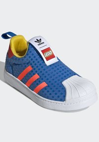 adidas Originals - ADIDAS ORIGINALS ADIDAS X LEGO - SUPERSTAR 360 - Baskets basses - blue - 1