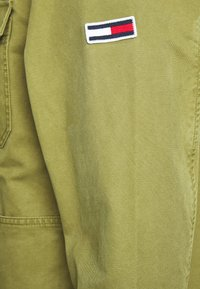 Tommy Jeans - CARGO JACKET - Summer jacket - uniform olive - 6
