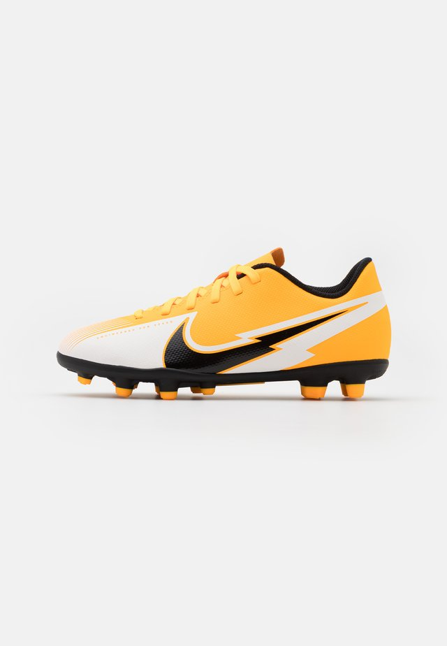MERCURIAL JR VAPOR 13 CLUB FG/MG UNISEX - Chaussures de foot à crampons - laser orange/black/white