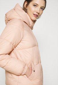 Vero Moda - VMUPSALA SHORT JACKET - Zimní bunda - mahogany rose - 4