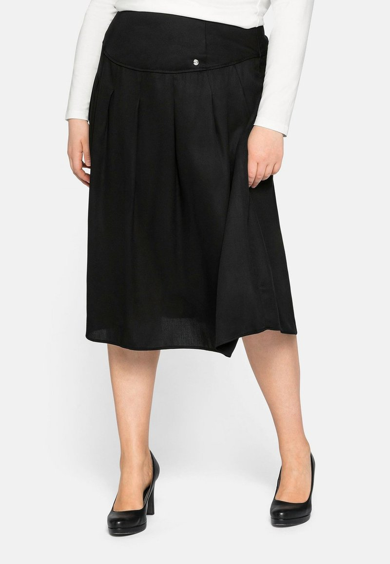 Sheego - Pleated skirt - schwarz
