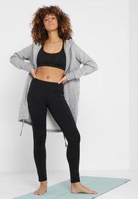 Curare Yogawear - LEGGINGS HIGH WAIST - Legging - black - 1