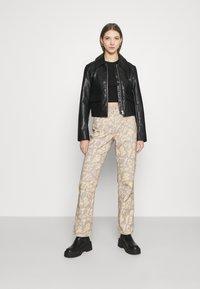 Jaded London - BOYFRIEND FIT GRAFFITI PRINT JEAN - Relaxed fit jeans - multi - 1