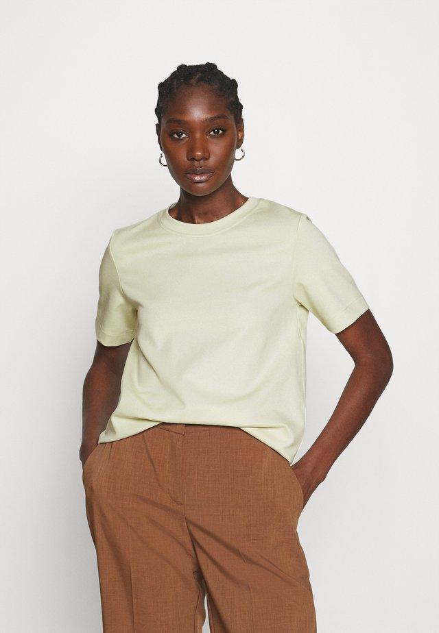 Basic T-shirt - mint green
