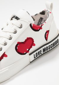 Love Moschino - LABEL SOLE - Zapatillas - white - 2