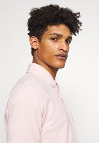 CLOSED - Poloskjorter - soft pink - 5