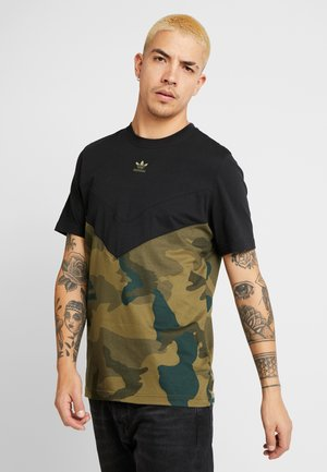 CAMO BLOCK SHORT SLEEVE GRAPHIC TEE - T-shirt med print - black/multicolor