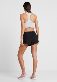 Cotton On Body - MOVE JOGGER SHORT - Sports shorts - black/mid grey marle - 2