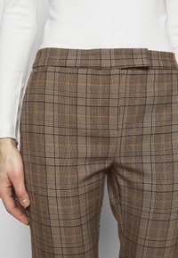 MAX&Co. - DINTORNO - Trousers - beige pattern - 3