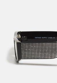 Vintage Supply - UNISEX - Sonnenbrille - black rhinestone - 2