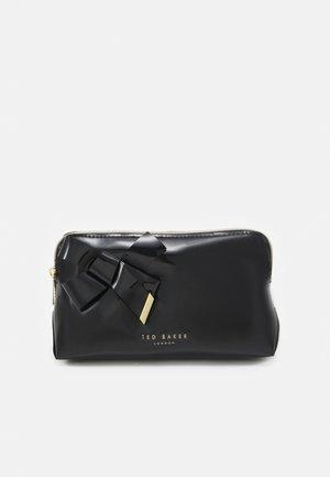 NICOLAI - Wash bag - black