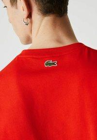 Lacoste - Print T-shirt - rouge - 3