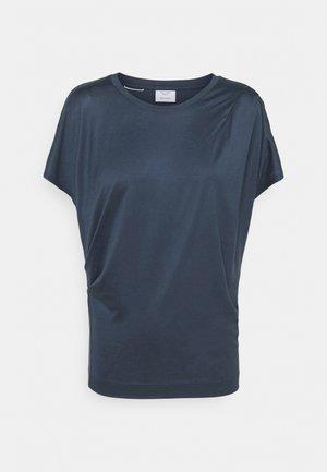 SHORT SLEEVE PLEAT DRAPE - T-shirt basic - blue