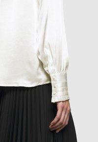 Bruuns Bazaar - BAUME ELIZABETH BLOUSE - Blouse - snow white - 6