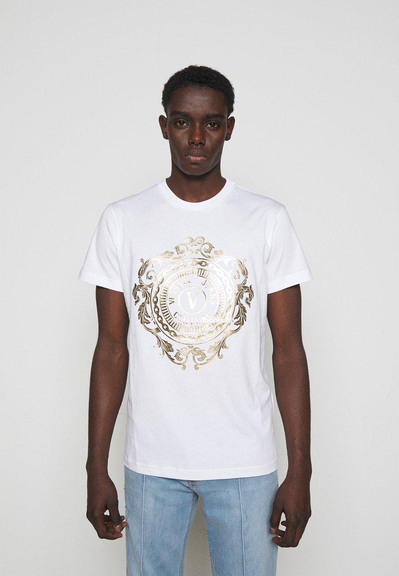Versace Jeans Couture - Triko spotiskem - white/gold