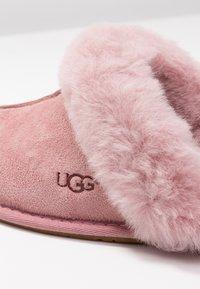 UGG - SCUFFETTE II - Chaussons - pink dawn - 2