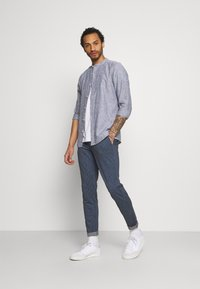 Only & Sons - ONSMARK PANT STRIPES - Trousers - dress blues - 1