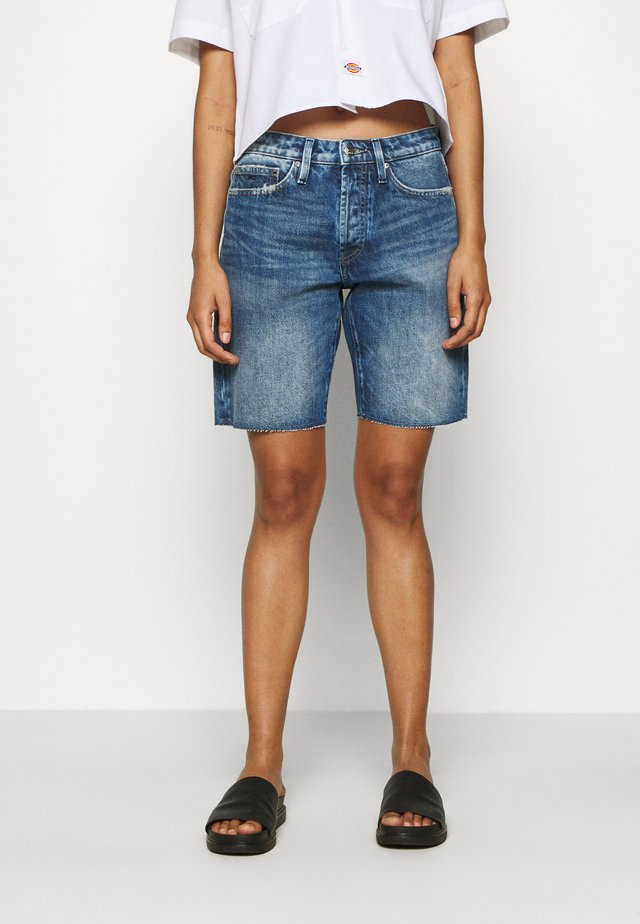 MELROSE BERMUDA OSWEGA - Denim shorts - blue