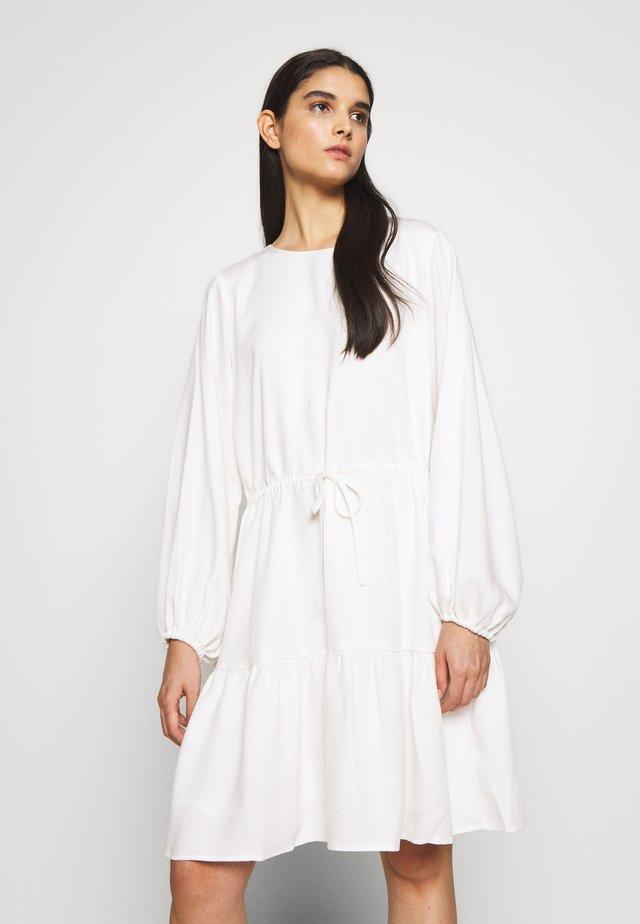 PRALENZA ELISSA DRESS - Kjole - white