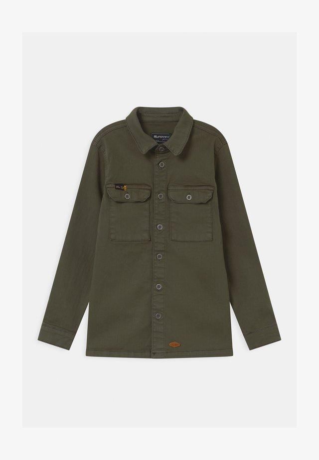 BOYS  - Camicia - dunkelgrün reactive