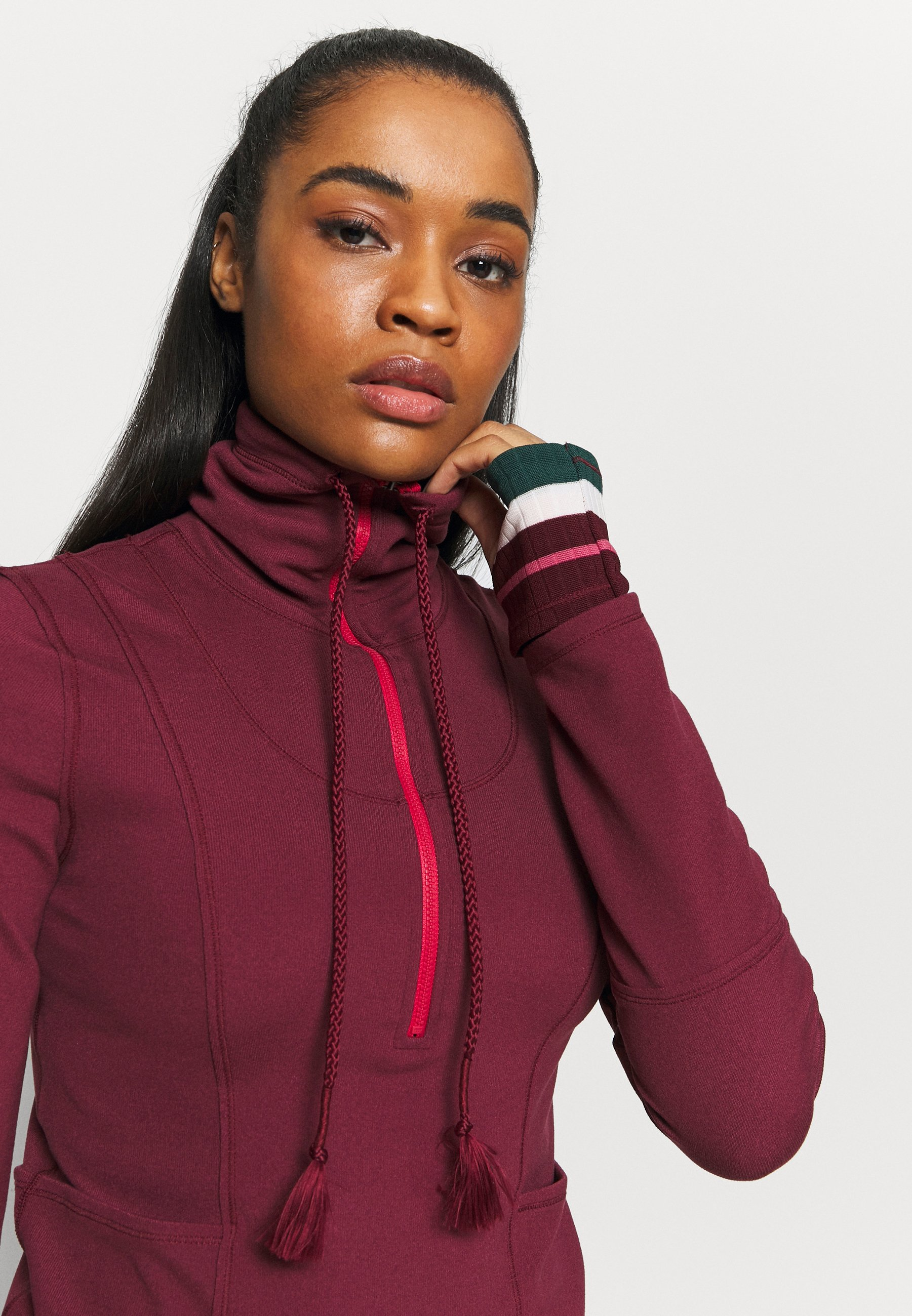 Women HIT THE TRAIL LAYER - Long sleeved top