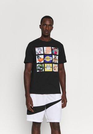 NBA LOS ANGELES LAKERS SPACE JAM TUNE ZOOM TEE - T-shirt imprimé - black