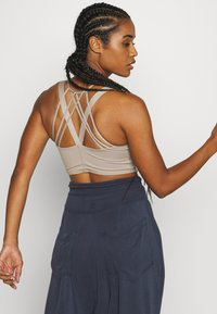 Free People - MANTRA CROP - Topper - stone - 2