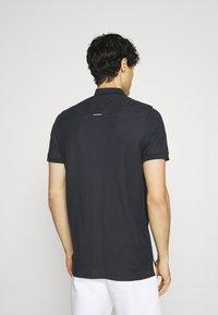 Tommy Hilfiger - CONTRAST PLACKET SLIM  - Polo shirt - desert sky - 2