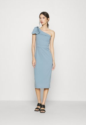 SARIYAH SHOULDER DETAIL MIDI DRESS - Vestido de cóctel - duck egg blue