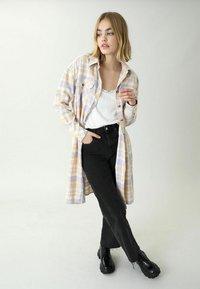 Pimkie - Button-down blouse - beige - 0