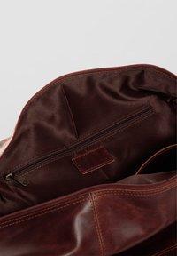 SID & VAIN - WEEKENDER - YALE - Weekend bag - braun-cognac - 4