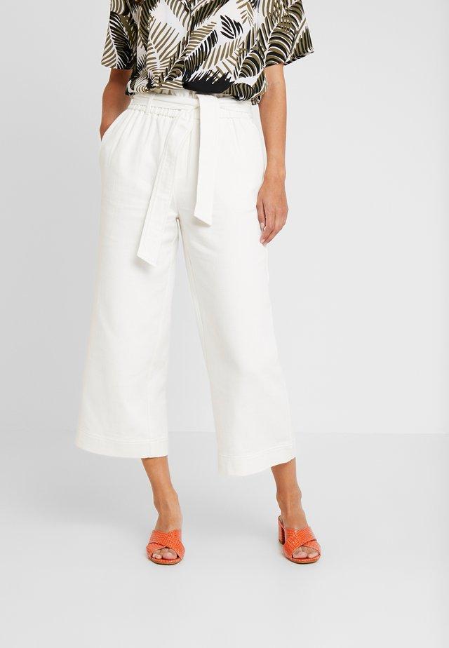 BROOKE PANT - Pantalones - ecru