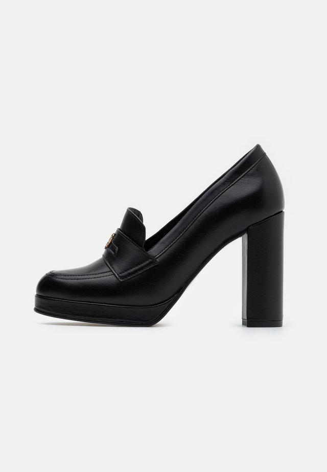 POLISHED - Zapatos altos - black