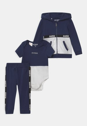 TAKE ME HOME SET - Tracksuit - bleu/deck blue