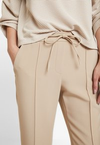Opus - MONI - Trousers - soft ginger - 5