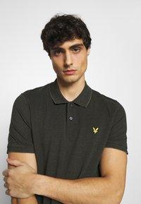 Lyle & Scott - OXFORD  - Polo shirt - trek green/ jet black - 3