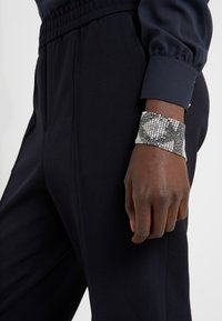 KARL LAGERFELD - CRYSTAL MESH DOUBLE  - Bracelet - silver-colored - 1