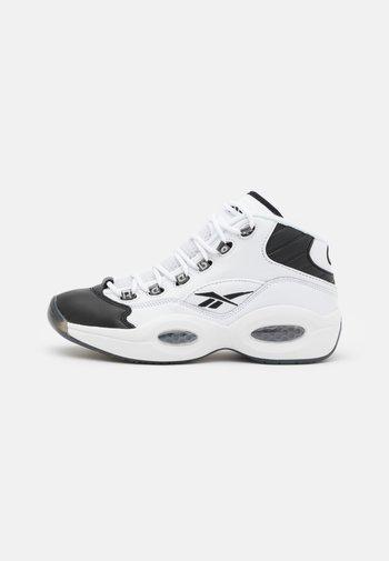 QUESTION MID  - Korkeavartiset tennarit - black/footwear white