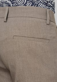Lindbergh - CLUB PANTS - Trousers - beige mix - 5