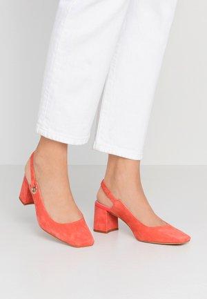 Classic heels - coral