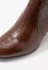 Jonak - DIDLANEO - Classic ankle boots - cognac - 2