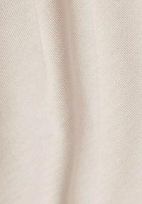 Esprit Sports - MIT LOGO-PRINT - Print T-shirt - peach - 5