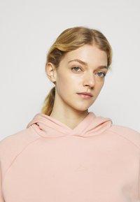 Holzweiler - HANG ON - Hoodie - washed pink - 3