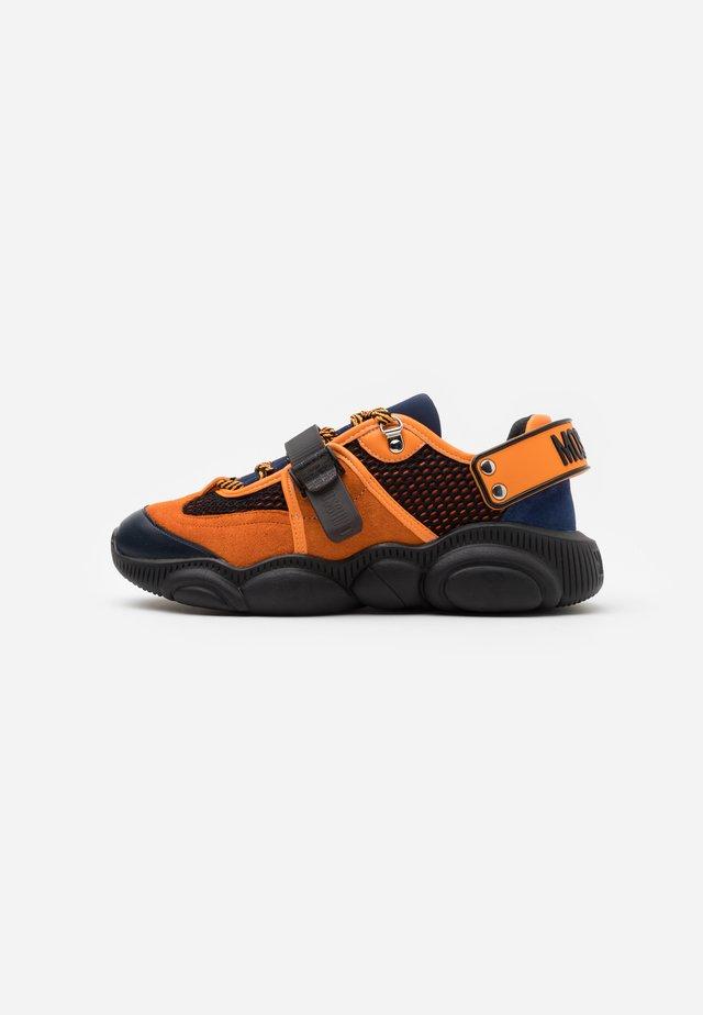 Sneakers laag - nero/blu/ara