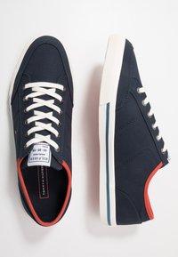 Tommy Hilfiger - HARRINGTON - Sneakersy niskie - blue - 1
