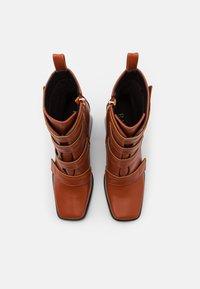 RAID - AILEEN - Kotníková obuv na vysokém podpatku - cognac - 5