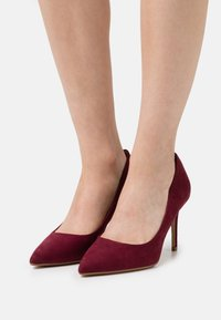 Dorothy Perkins Wide Fit - WIDE FIT DELE POINT STILETTO - Classic heels - oxblood - 0